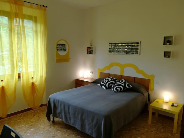Camera Ginestra- Lo Zizzolo Bed&Breakfast