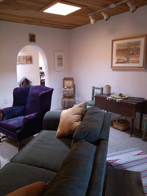 Additional view of livingroom.