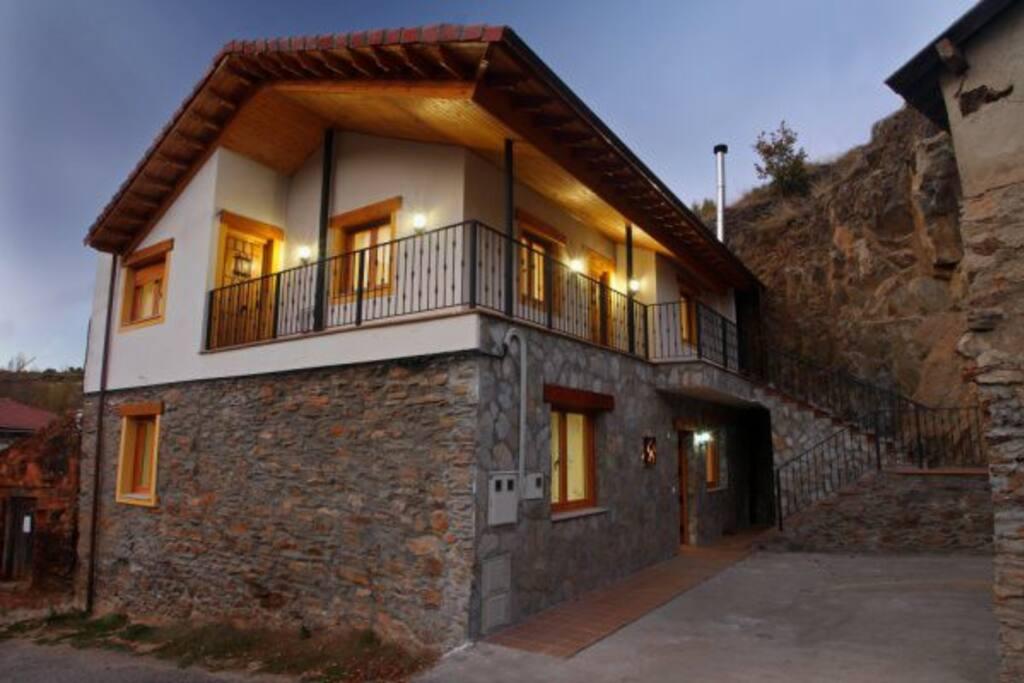 Fachada Casa Rural Aguas Frias