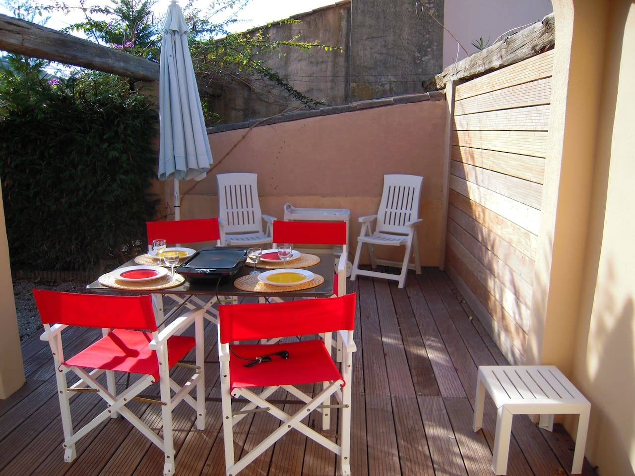 Large studio w/ garden St Tropez
