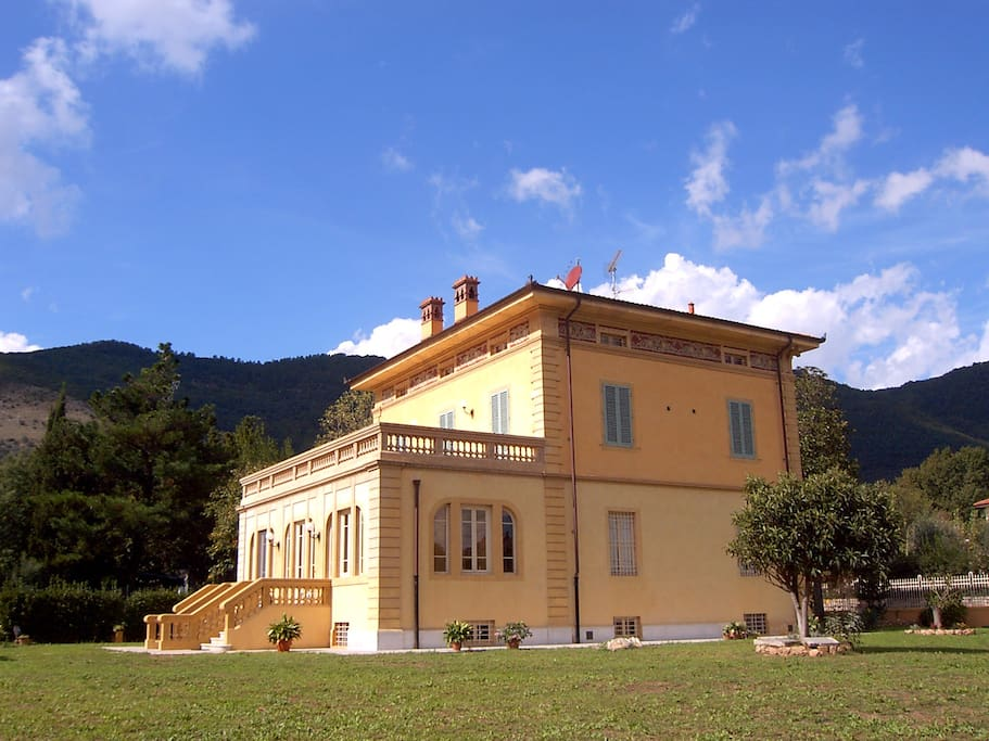 Marta guest house bed breakfasts for rent in lucca for Tuscan view guest house