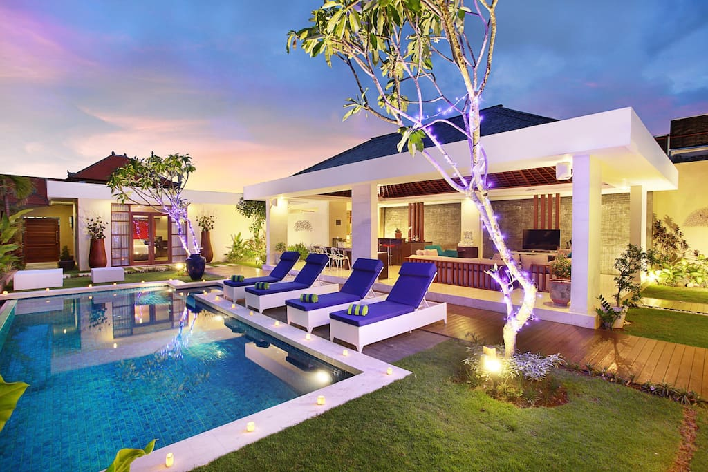 4 spacious luxury bedrooms in the central of popular Seminyak