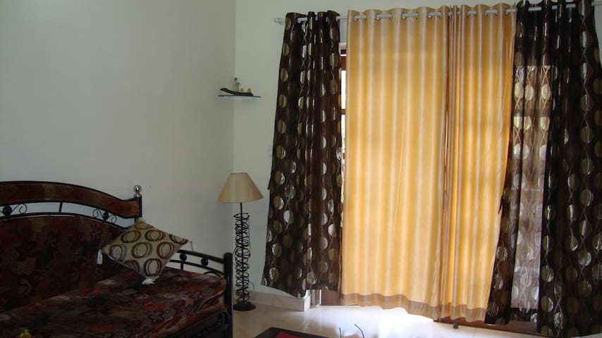 Apartment for Rent Candolim Grnd F - Goa Velha - Lägenhet