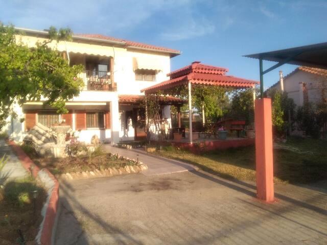Villa Robert Kostas