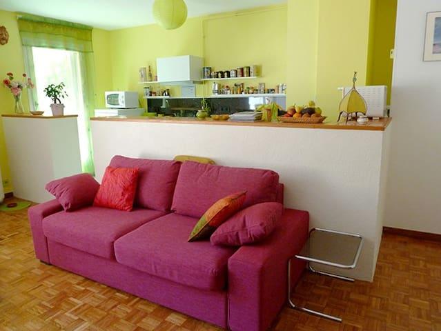 Castellane, Pt Déjeuner, terrasse, garage, stade