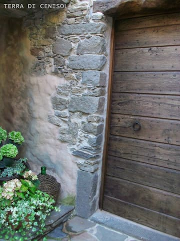 CHARMING OLD STONE ECO HOUSE - Podenzana, Massa e Carrara