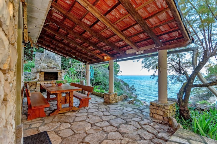 House Hidden Bay - One-Bedroom Cottage with Terrace and Sea View