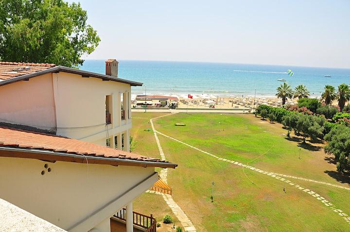 Side Kumköy'de Denize sıfır  2+1 Yazlık