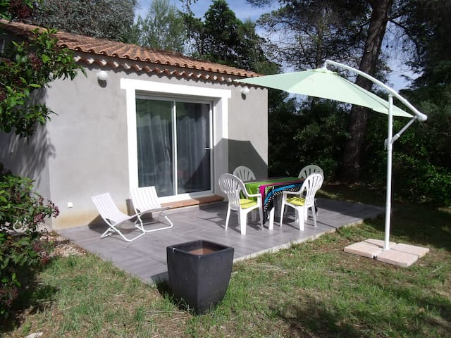 GREAT COTTAGE TERRACE GARDEN WIFI - La Londe-les-Maures - Rumah