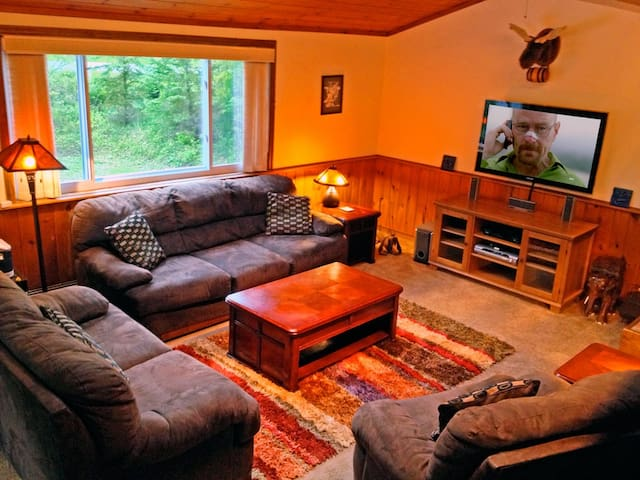 Killington Retreat: Sleeps 28. Close to Mountain! - คิลลิงตัน - บ้าน