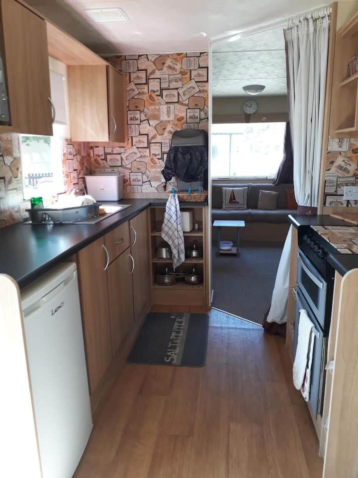 Immaculate 3-Bedroom Caravan on Combe Haven.