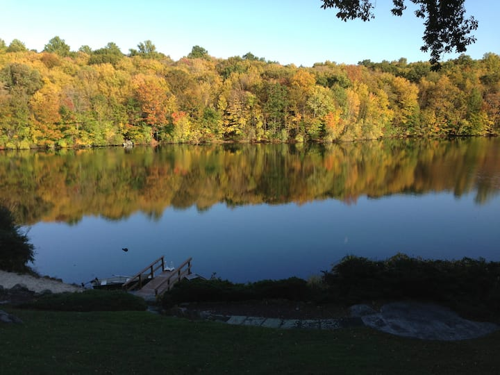 Breathtaking! Private Lake House Retreat