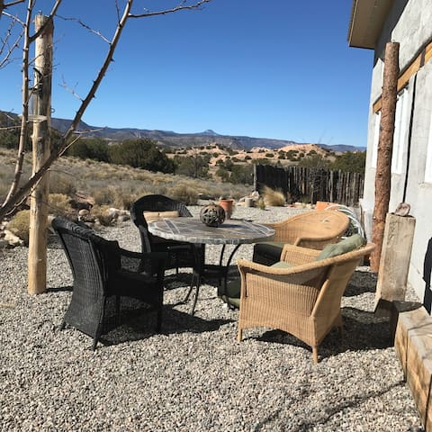 Artist Live/Work Space for Rent - Abiquiu