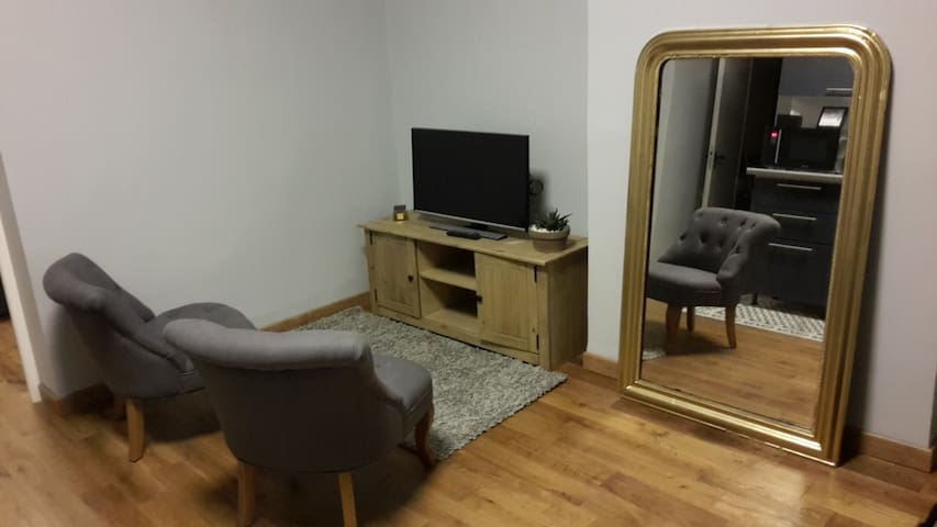 2 bedroom apartment near station