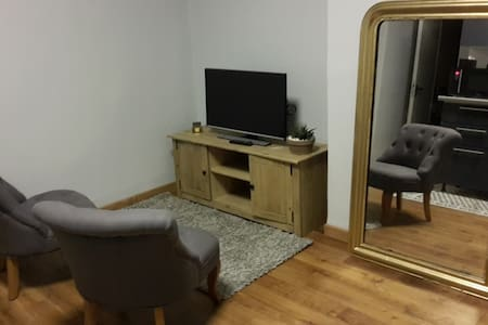 2 bedroom apartment near station