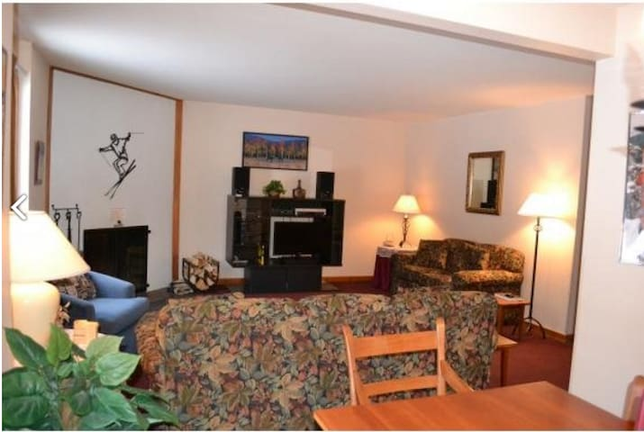 2 bdrm condo: walk to lifts & lodges - Killington - Apto. en complejo residencial