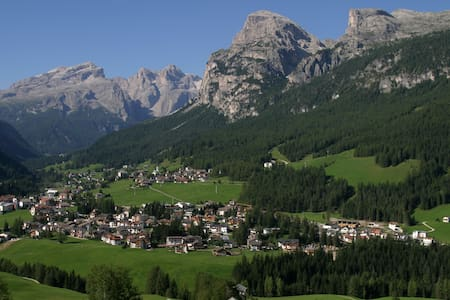 Dolomites view Medesc - La Villa - Bed & Breakfast