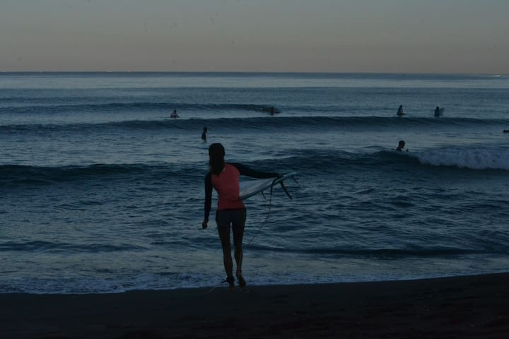 Early morning dawn patrol.....fancy it?
