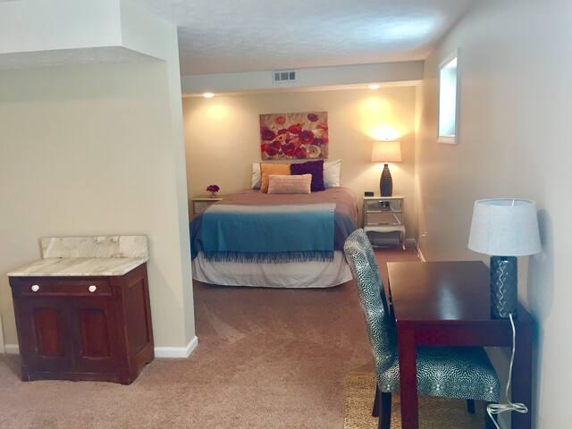 Basement suite, separate entrance - Lynchburg - Jiné