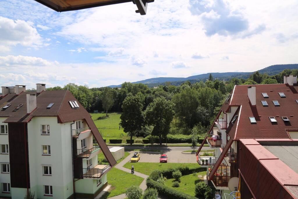 Widok z okna na góry , z salonu.