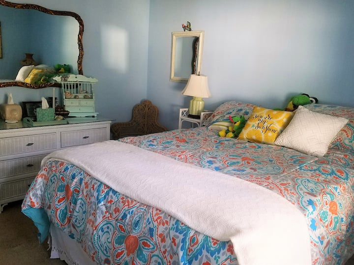 Quiet Country 2 Bedroom Suite