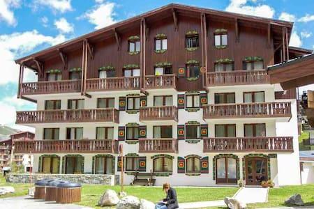 Studio à Val Claret ski au pied.