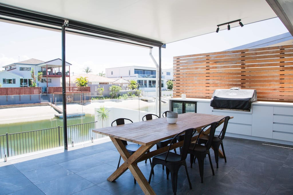 Outdoor dining & kitchen with Bar Fridge and Beef Eater gas BBQ