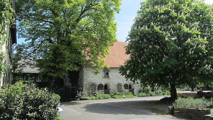 Gemütliche DG-Wohnung für 2 Pers. auf dem Loagshof