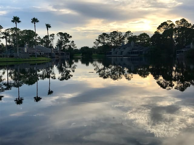 Lakefront Condo in Fishermans Cove, Sawgrass