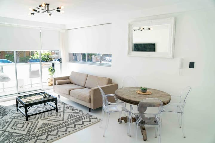 Modern Coogee Coastal Apartment