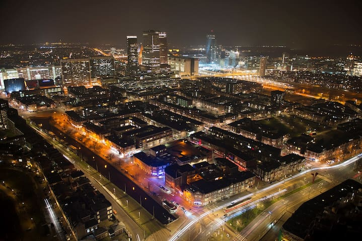 Amazing SkyStudio on 30th floor 735 - The Hague