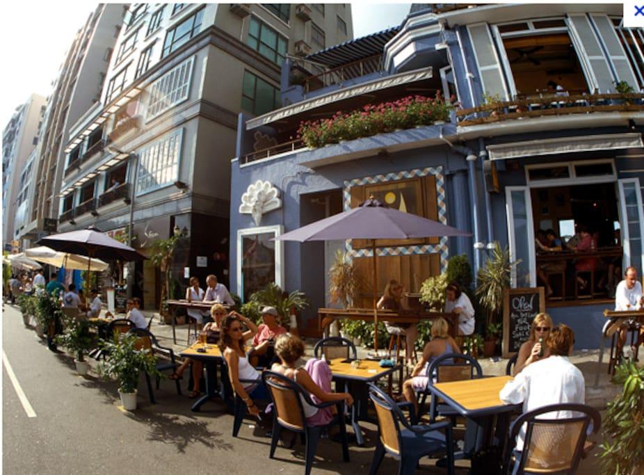Al fresco cafes