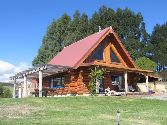 Tree Hut Cottage, near Masterton,
