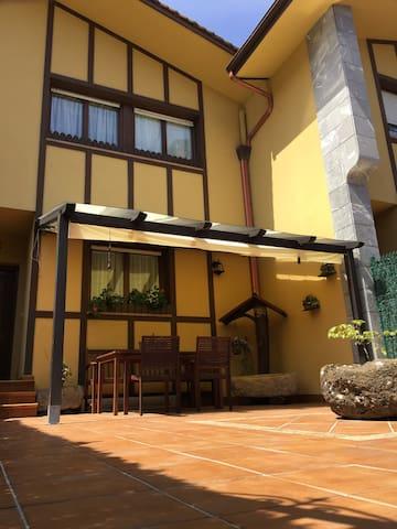 Villa adosada Zizurkil-Donostia  ESS02215