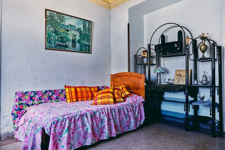 Awesome room, close to Medina, heart of Tetouan