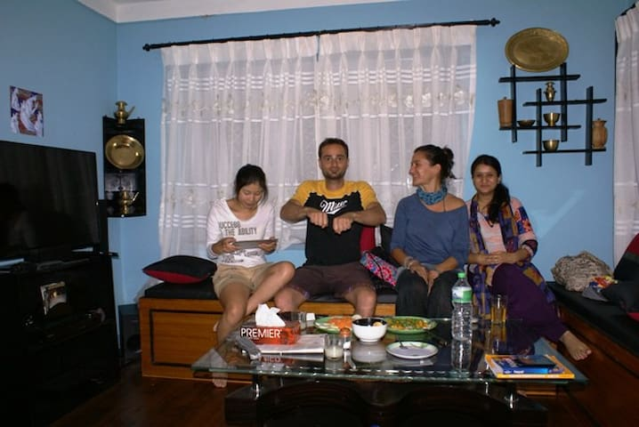 Living/ TV Room (Luca from Italy, Ebru from Turkey and Chen from China)