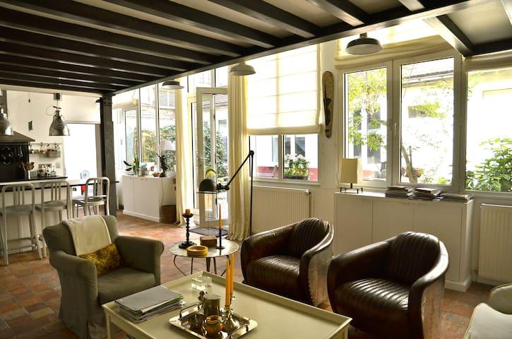 Maison Loft d'artiste sur jardin Au coeur de Paris - パリ - 一軒家
