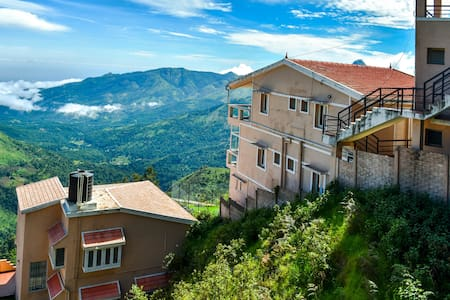 Leisure Vacations Syamantac Villa, Kodaikanal - Kodaikanal