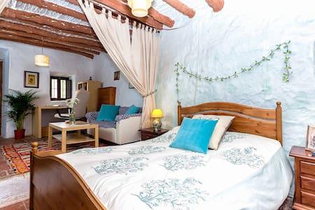 Gorgeous Andaluz Farmhouse Malaga 1 - Colmenar - บ้าน