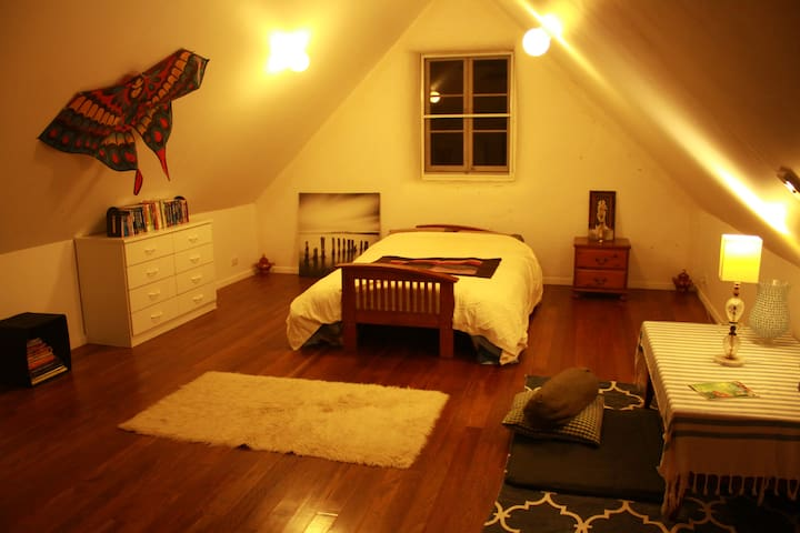 Nimbin Eco-Retreat with Yoga/Meditation Studio