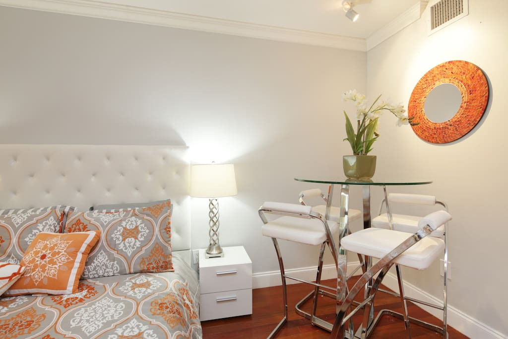 Chic RETREAT in the Heart of SoBe!