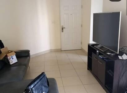 Céntrico  apartamento, cerca del metro y ciudad