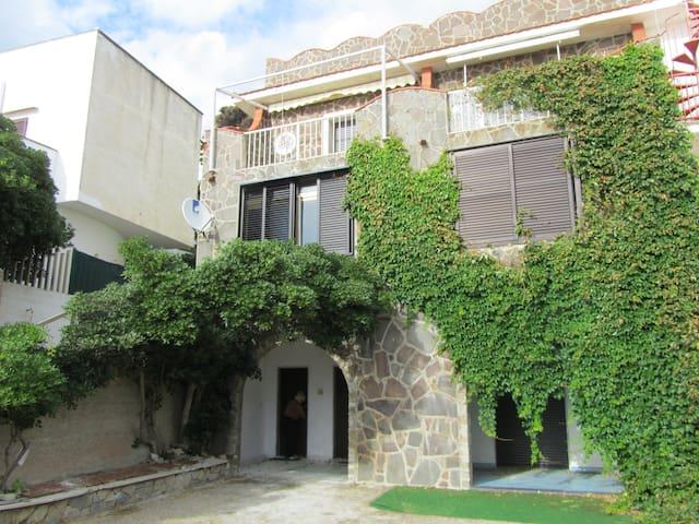 Villa Fiorenza Cilento for Holidays - Santa Maria - Villa