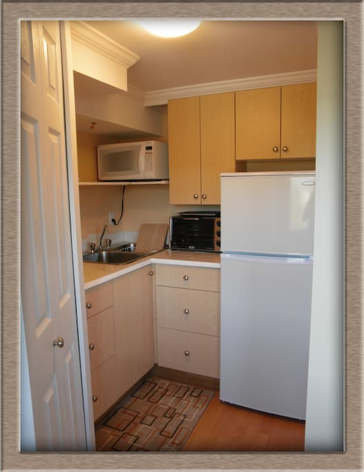 Handy kitchenette for making your meals