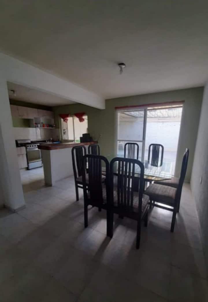 Habitación de casa en excelente zona de León gto