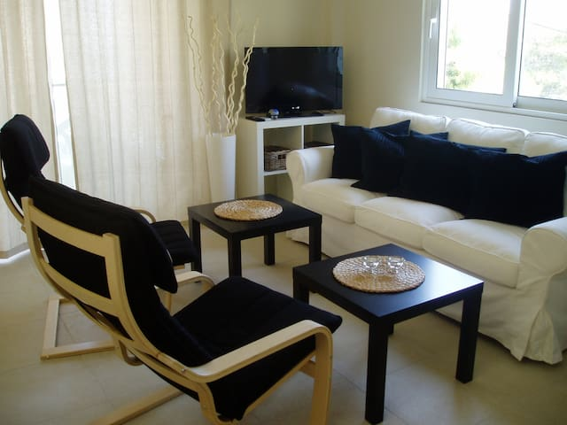 ELEGANT NEW BEACH APARTMENT 2 - Anavyssos - Ev