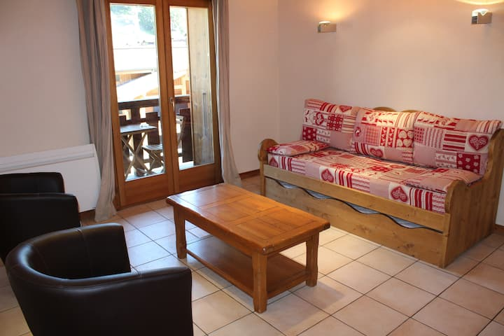 Aprt. Azalees 5 - Apartment with view centrally located and foot steps to slopes and lifts
