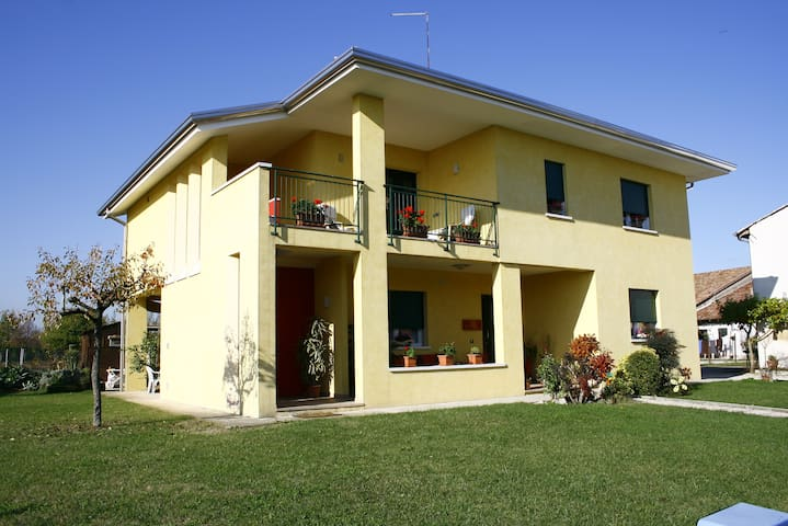 A stone's throw from Treviso betwee - Istrana - Bed & Breakfast