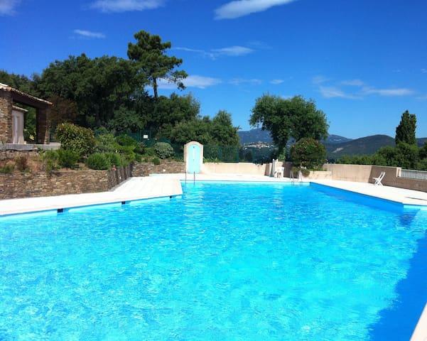 l'une des 3 piscines
