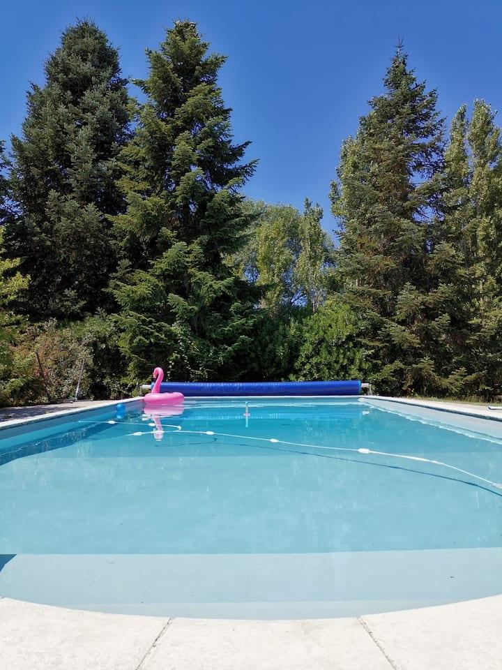 Maison de campagne avec piscine et grand jardin
